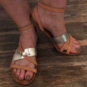 Kenneth Cole Reaction Sandals 9